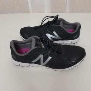 New Balance  Black and Gray Running FL xRide Shoes